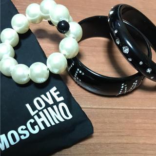 モスキーノ(MOSCHINO)のLOVE MOSCHINO バングル 3連(ブレスレット/バングル)