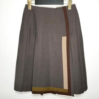プラダ(PRADA)の未使用 プラダ スカート 膝丈 ラップ プリーツ カラーブロック 上品 38(ひざ丈スカート)