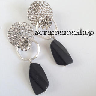 No70 silver flower earrings ピアスORイヤリング(ピアス)