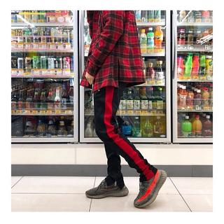 フィアオブゴッド(FEAR OF GOD)のmnml track pants black red ミニマル トラックパンツ(ジャージ)