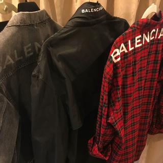 バレンシアガ(Balenciaga)の破格 BALENCIAGA ウインドブレイカー バレンシアガ L パーカー(ジャージ)
