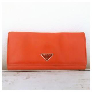 プラダ(PRADA)のPRADA 長財布 プラダ オレンジ サフィアーノ レザー  美品 正規品(財布)