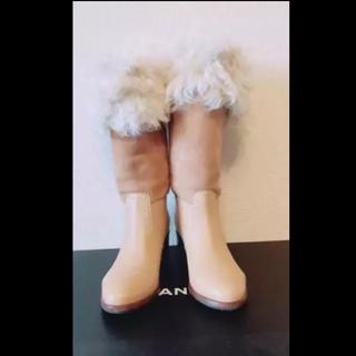 シャネル(CHANEL)のCHANEL【中古美品】ベージュ ブーツ イタリア製 35.0(ブーツ)