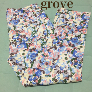 グローブ(grove)のgrove❤︎花柄クロップドパンツLサイズ(クロップドパンツ)