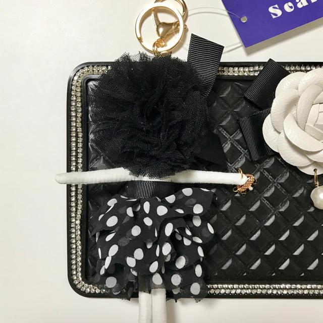 新品 カメリア ボンバーヘアー ドールチャーム 黒 ハンドメイドのファッション小物(バッグチャーム)の商品写真