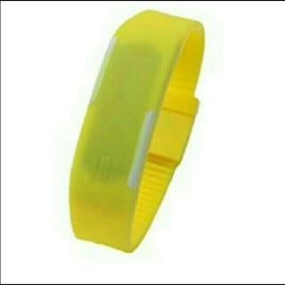 LEDシリコンウォッチ シリコン腕時計 バンドウォッチ イエロー(腕時計(デジタル))