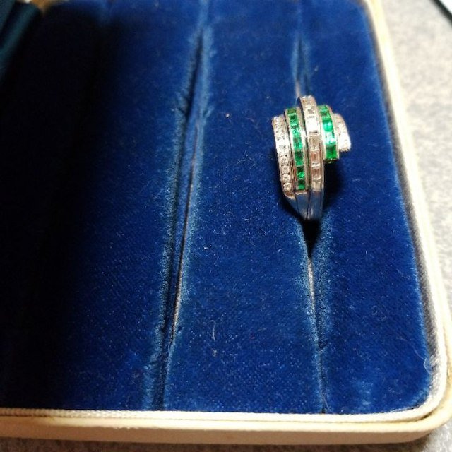本物 天然エメラルドとダイヤのリング レディースのアクセサリー(リング(指輪))の商品写真