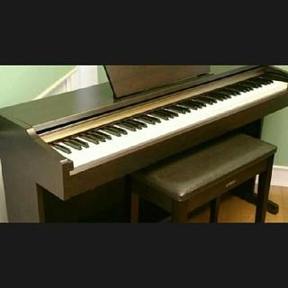 送料込み! YAMAHA 電子ピアノ 高級感のシックな色です。(電子ピアノ)