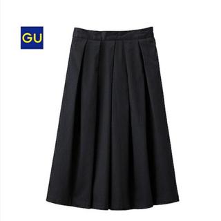 ジーユー(GU)のGU *ジーユー タックスカート ブラックS(ひざ丈スカート)