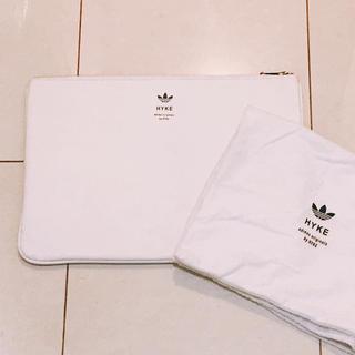 アディダス(adidas)のアディダス【adidas originals by hyke】クラッチバッグ 白(セカンドバッグ/クラッチバッグ)