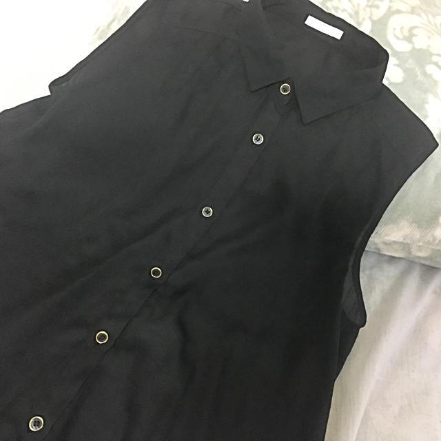 GU(ジーユー)のノースリーブ 襟付き シャツ 【GU】 レディースのトップス(シャツ/ブラウス(半袖/袖なし))の商品写真