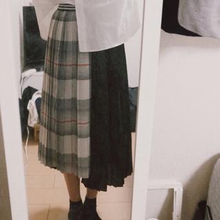 ロキエ(Lochie)のプリーツスカート(ひざ丈スカート)