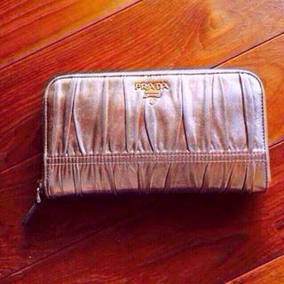 プラダ(PRADA)のプラダ ゴールド長財布(財布)