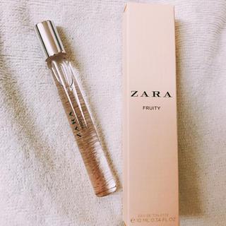 ザラ(ZARA)のZARA ローラー香水 FRUITY(香水(女性用))