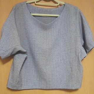 ジーユー(GU)のGU 無地 ブラウス Tシャツ 半袖 グレー 灰(シャツ/ブラウス(半袖/袖なし))