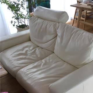 ムジルシリョウヒン(MUJI (無印良品))の無印良品 レザーソファー 2シーター ホワイト(二人掛けソファ)