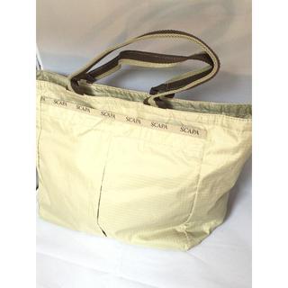 スキャパ(SCAPA)のSCAPA スキャパ バッグ マチ広め ベージュ ナイロン製(トートバッグ)