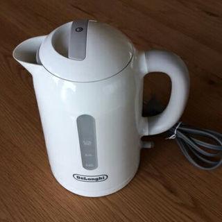デロンギ(DeLonghi)の新品未使用 デロンギ 電気ケトル JKP240J(炊飯器)