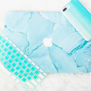 マック(Mac (Apple))のMacBook Pro カバー 難あり(ノートPC)