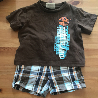 ティンバーランド(Timberland)の【Timberland 18m】茶色のTシャツ×チェックショートパンツセット(Tシャツ)