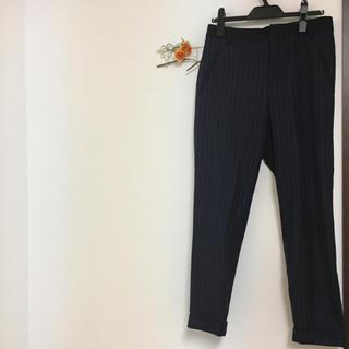ジーユー(GU)のGU メンズ パンツ 紺 ストライプ柄(その他)