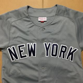 ミッチェルアンドネス(MITCHELL & NESS)の【新品】Mitchell & Ness / NYヤンキース BBシャツ(ジャージ)