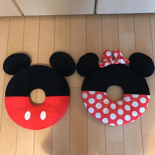 ディズニー(Disney)のディズニー クッション ミッキーミニー 2つセット!ドーナツ型クッション(クッション)
