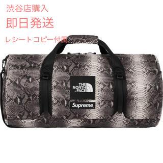 シュプリーム(Supreme)のSupreme Snakeskin Flyweight Duffle Bag(ドラムバッグ)