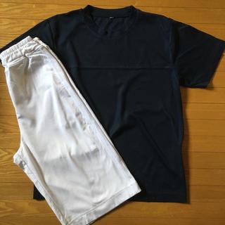 ユニクロ(UNIQLO)のbody tech ハーフパンツ 白 オマケ付き ドライメッシュTシャツ (ウェア)