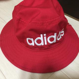 アディダス(adidas)のadidas ハット 赤(ハット)