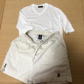 イルファーロバイルチアーノバルベラ(ILFARO by LUCIANO BARBERA)のイタリアのルチアノバルベラのTシャツとナイキの半ズボン一緒の値段(Tシャツ/カットソー(半袖/袖なし))