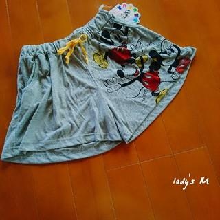 シマムラ(しまむら)の未使用【lady's】前後 ミッキー プリント/スウェット ショートパンツ M(ショートパンツ)