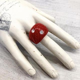 1940s- VINTAGE ベークライト 赤 ストーン×彫り リーフ柄 リング(リング(指輪))