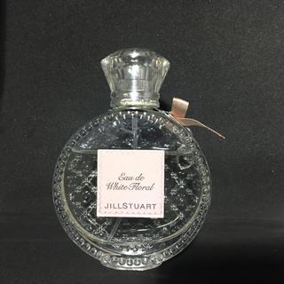 ジルスチュアート(JILLSTUART)のJILLSTUART ホワイトフローラル 香水 残量8割(香水(女性用))