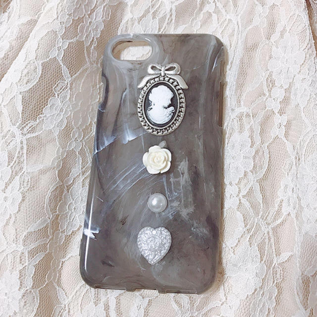 大理石風カメオiPhonecase ハンドメイドのスマホケース/アクセサリー(スマホケース)の商品写真