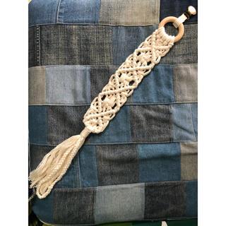 ハンドメイド マクラメ編みおしゃぶりホルダー(外出用品)