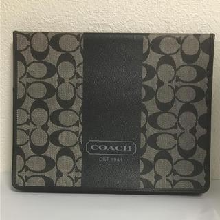 コーチ(COACH)の【未使用品】コーチ タブレットケース ブラック シグネチャー Ipad(iPadケース)