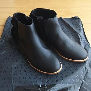 ザラ(ZARA)のZARA ガール 靴 ブーツ フリル ブラック サイズ37 24㎝ 美品(ブーツ)