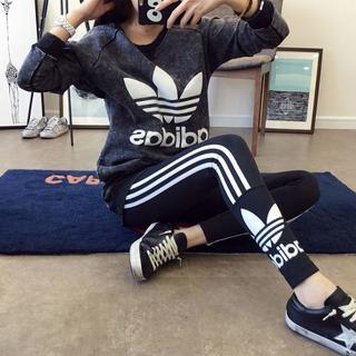 アディダス(adidas)のアディダス風スキニーパンツ レギンス 1枚(スキニーパンツ)