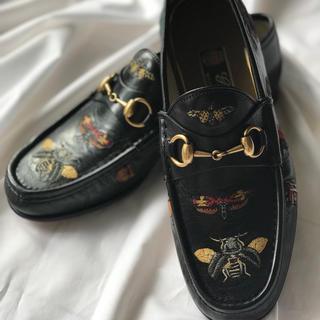 グッチ(Gucci)の【今だけ大幅値下げ】GUCCI 革靴 メンズ ホースビット 刺繍(ローファー/革靴)