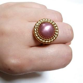 ピンク × ゴールド ボタン リング 指輪★ヴィンテージ アンティーク風 レトロ(リング)