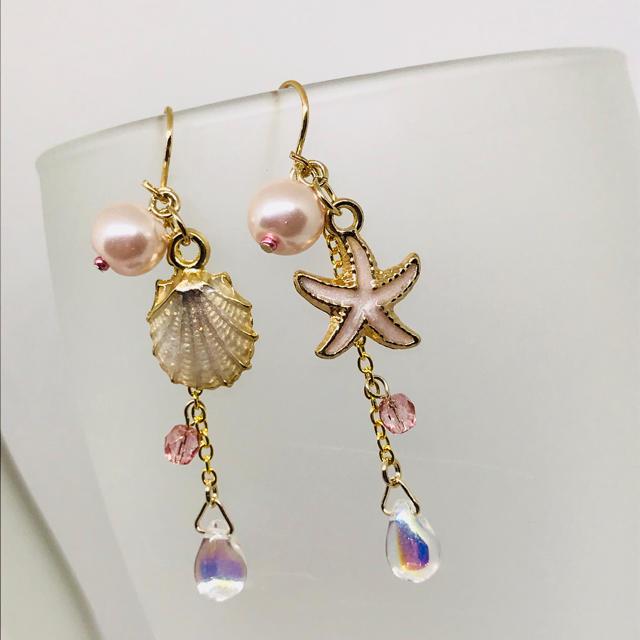 パール シェル 海 ゆれピアス 水着 ピンク ハンドメイドのアクセサリー(ピアス)の商品写真