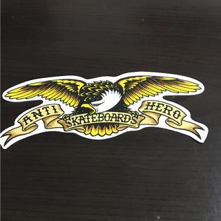 アンチヒーロー(ANTIHERO)の【縦5cm横12.7cm】ANTI HERO ステッカー今月一杯のお値段です(ステッカー)