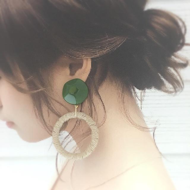 グリーン♡麻リング ハンドメイドのアクセサリー(ピアス)の商品写真