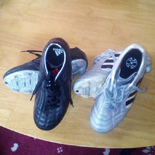 アディダス(adidas)のTさん専用2足アディダス FARUKAS(ファルカス) 24.5cm 送料込み(シューズ)