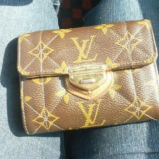 ルイヴィトン(LOUIS VUITTON)の正規品ルイヴィトンエトワール折りたたみ財布(財布)
