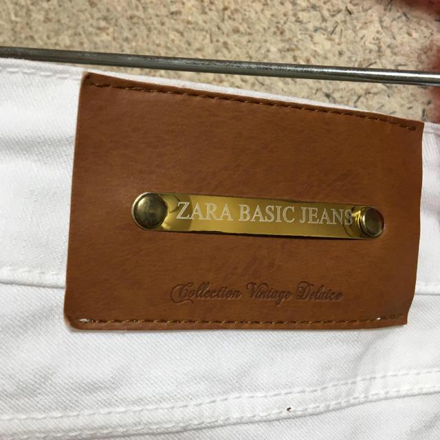 ZARA(ザラ)のZARA ホワイトデニム レディースのパンツ(スキニーパンツ)の商品写真