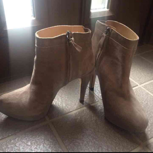 ZARA(ザラ)のザラ ブーティ レディースの靴/シューズ(ブーツ)の商品写真