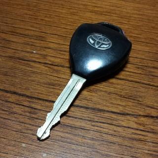 トヨタ(トヨタ)のAZR60ヴォクシー キーレス中身ナシ!ジャンク品(車種別パーツ)