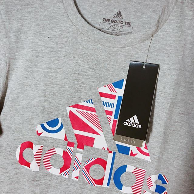 adidas(アディダス)のadidas アディダス Tシャツ 半袖 グレー レディース 新品 レディースのトップス(Tシャツ(半袖/袖なし))の商品写真